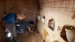 Tökéletes állapotú római sírt talált a háza alatt egy spanyol család