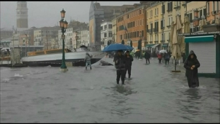 Le kellett zárni a Szent Márk teret is az újabb tengerár miatt Velencében