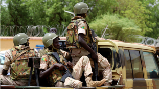 Terrortámadás Maliban: 53 katonával végeztek a dzsihádisták