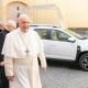 Nincs több rongyrázás: Dacia Duster az új pápamobil