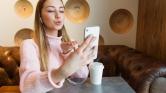 Tinder randik helyett videochat: így alakítja át a koronavírus az ismerkedést