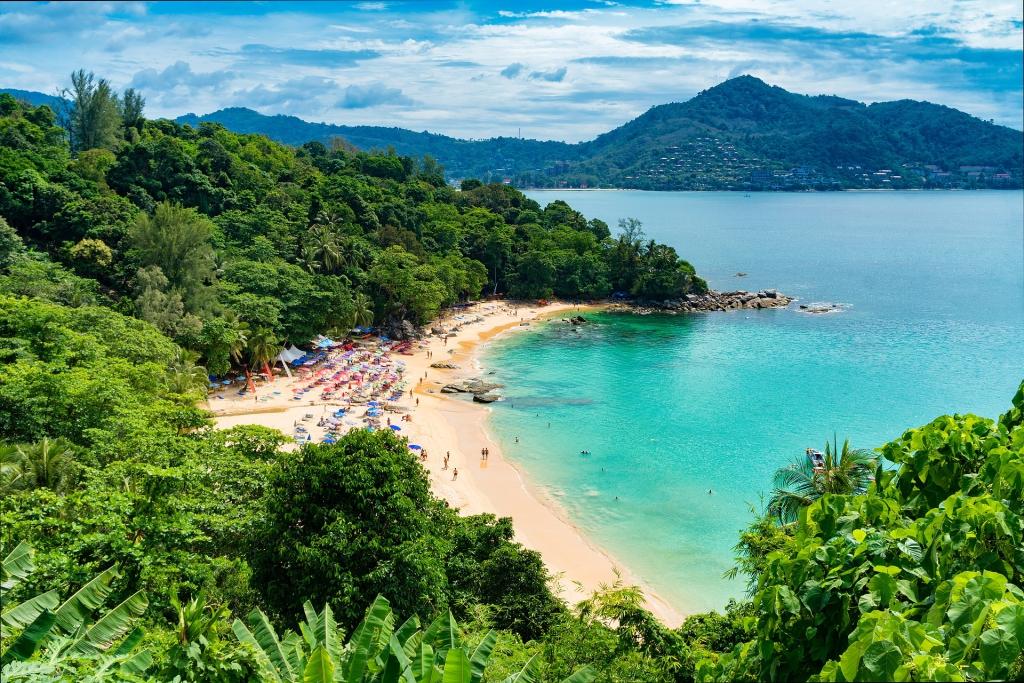 beach-2084350_1920