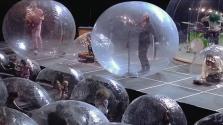 Kreatív megoldás Amerikából: koncert a buborékban